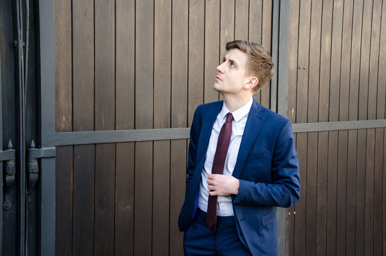 Jak wybrać garnitur po raz pierwszy - Dopasowany garnitur
