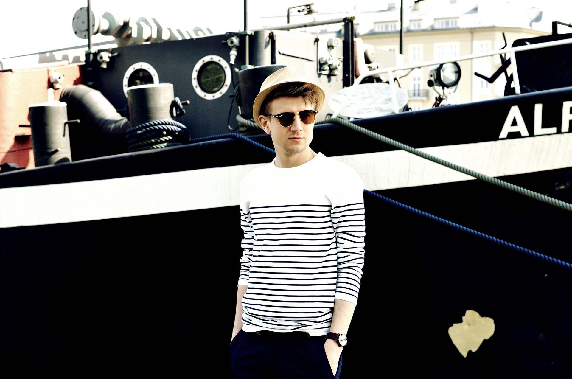 GMALE by Grzegorz Paliś, blog o modzie męskiej, styl marynarski, navy, mokasyny, męski styl, bluza w paski
