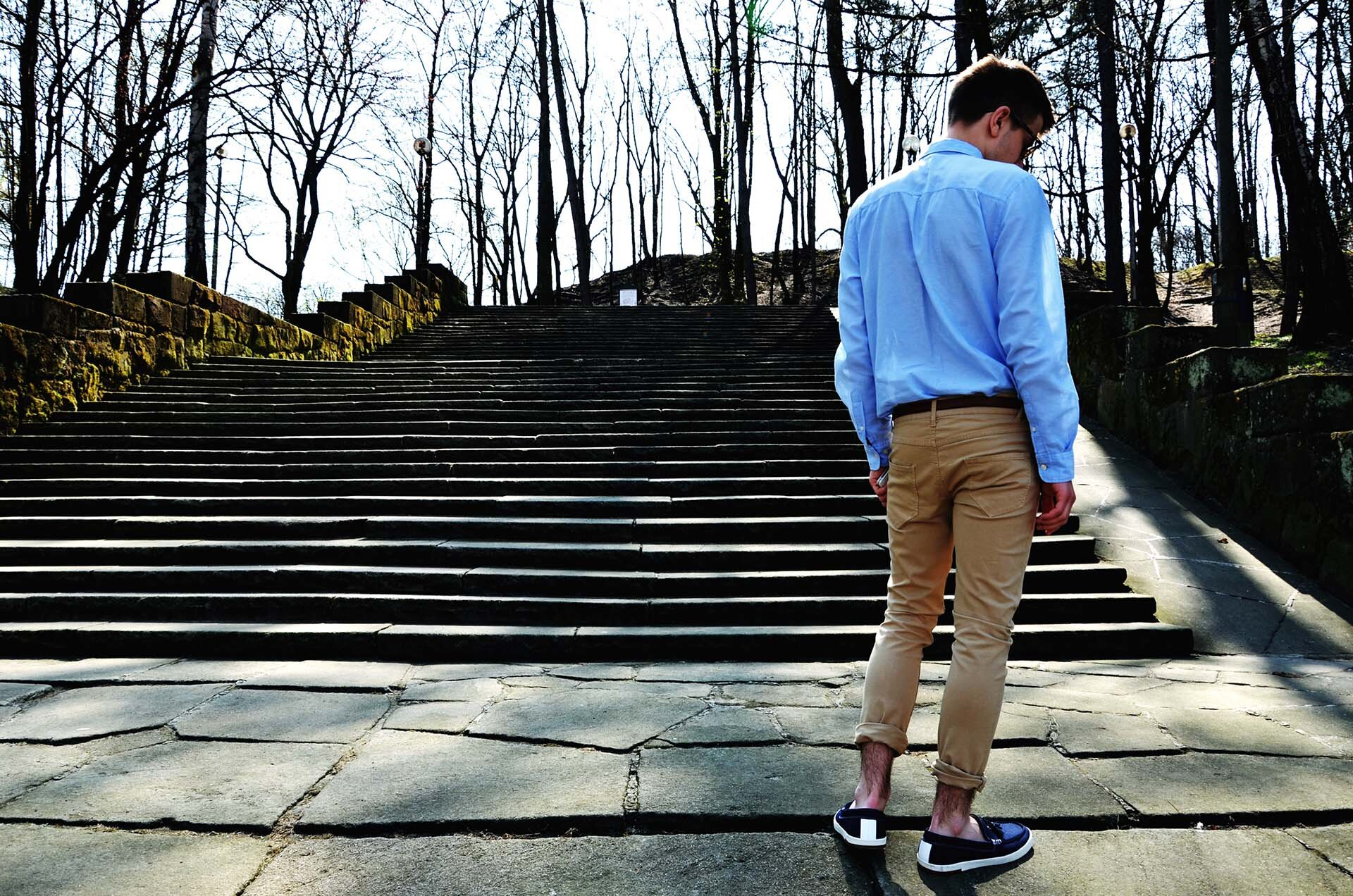 GMALE by Grzegorz Paliś, blog o modzie męskiej, mokasyny, niebieska koszula męska, obuwie męskie, Park Bednarskiego