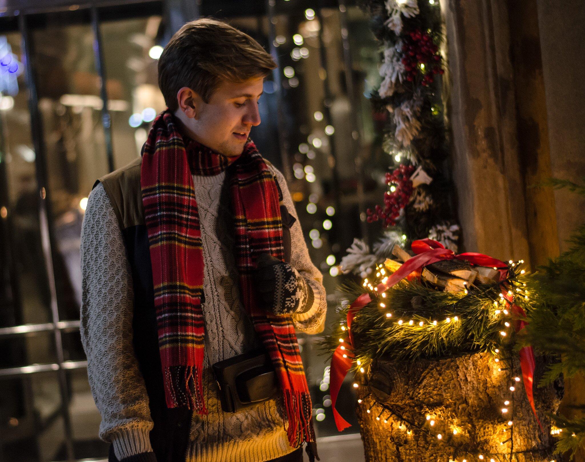 Wesołych świąt - Bożonarodzeniowy Jarmark Krakowski - Czerwony szalik w kratę męski