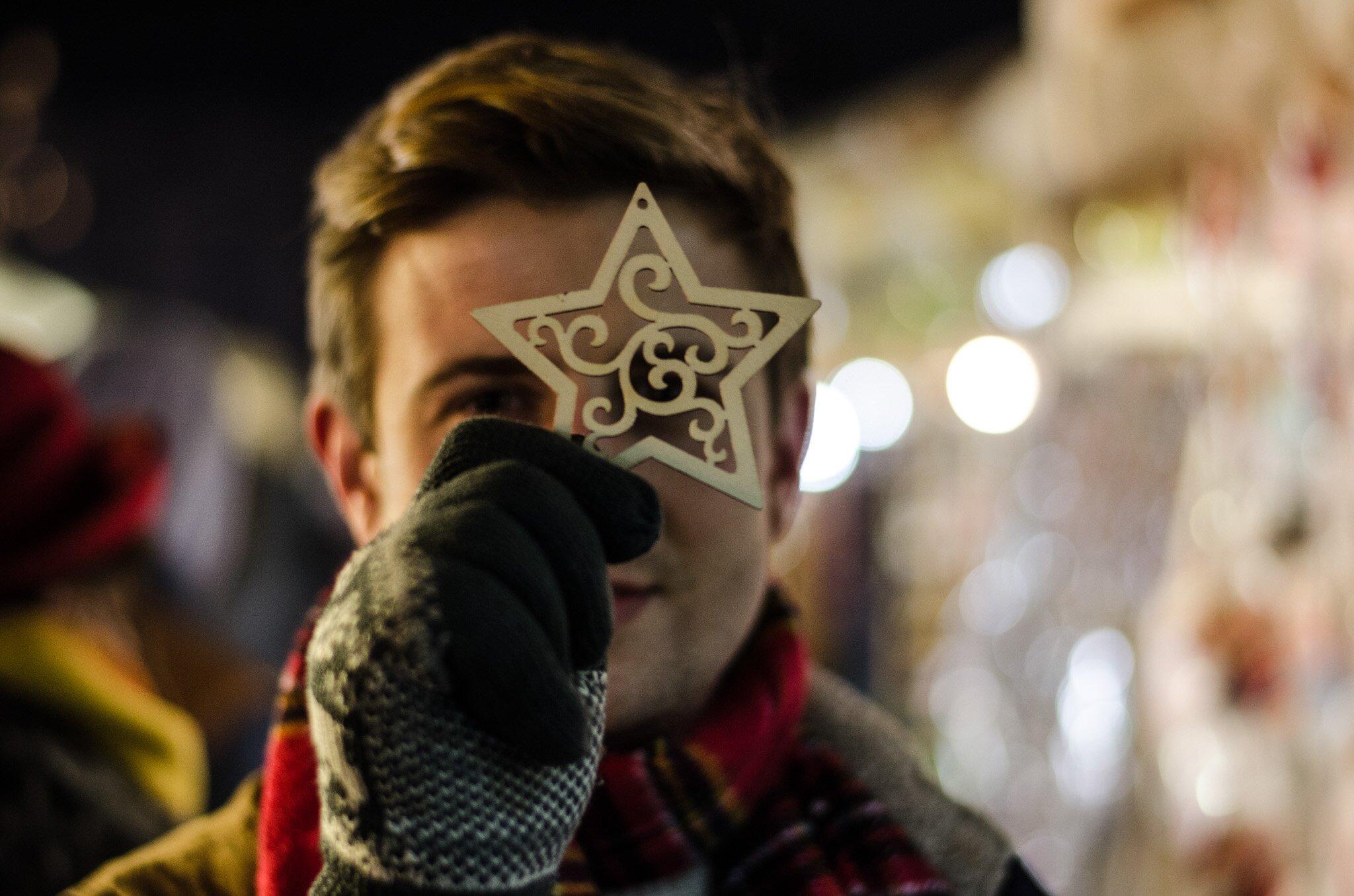 Wesołych świąt - Bożonarodzeniowy Jarmark Krakowski - - Czerwony szalik w kratę męski