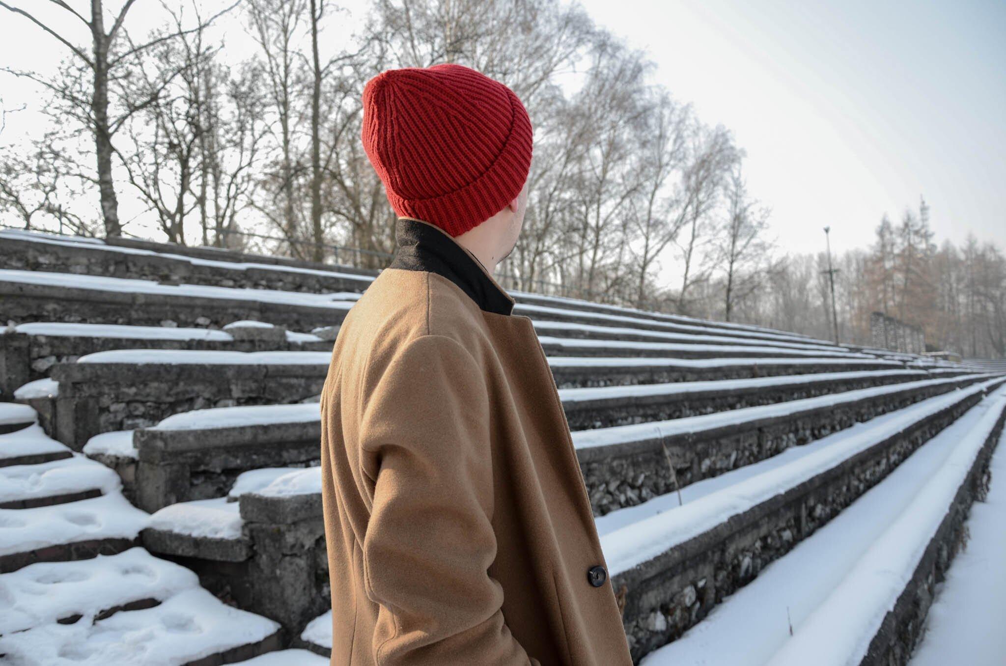 Czerwona czapka męska, Blog o modzie męskiej. Moda męska zimą