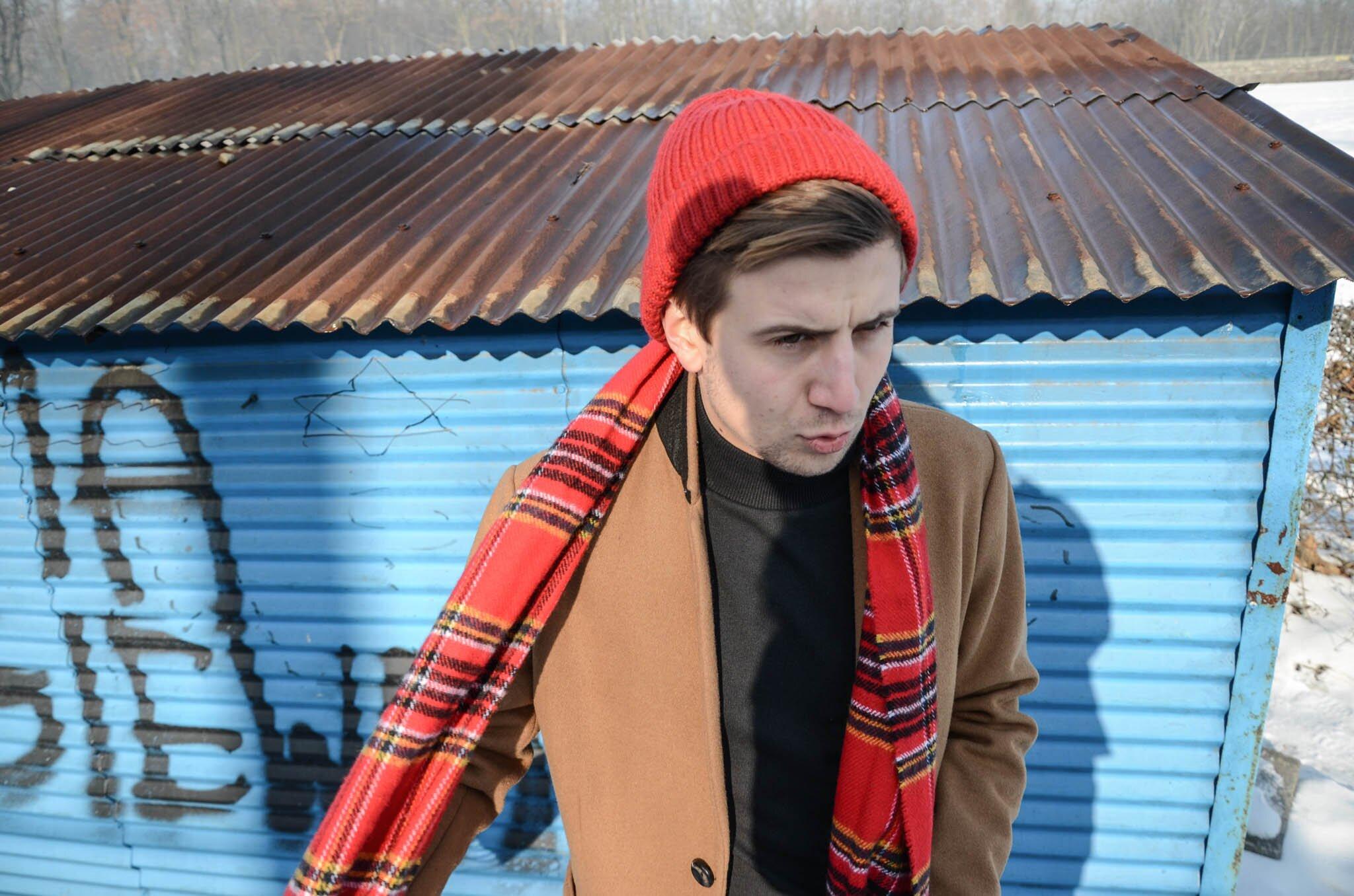 Blog o modzie męskiej, moda męska blog, Golf męski, Czerwona czapka