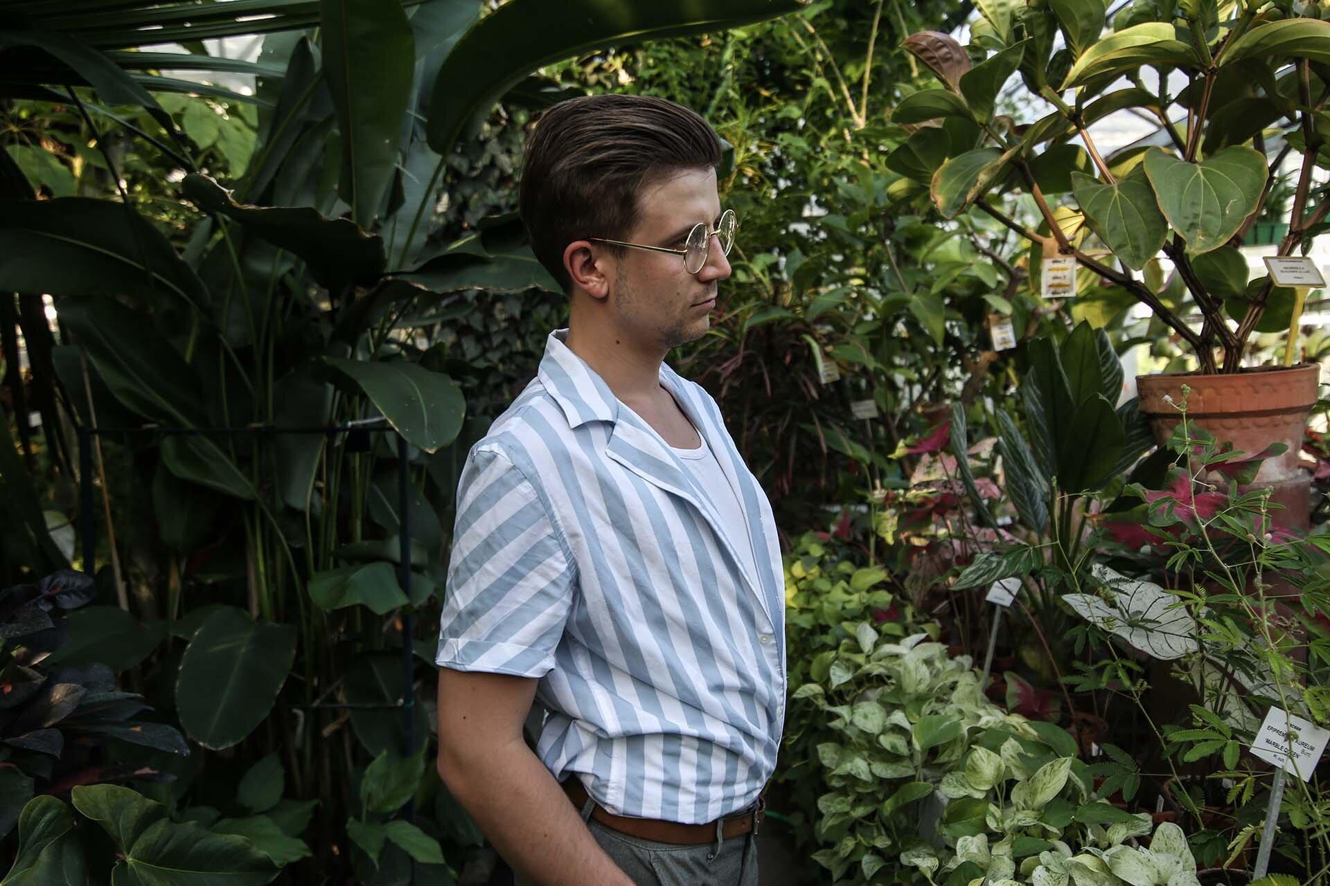 Tropikalna stylizacja męska, GMALE, Grzegorz Paliś, Blog o modzie męskiej, Koszula z krótkim rękawem Zara, Złote okulary