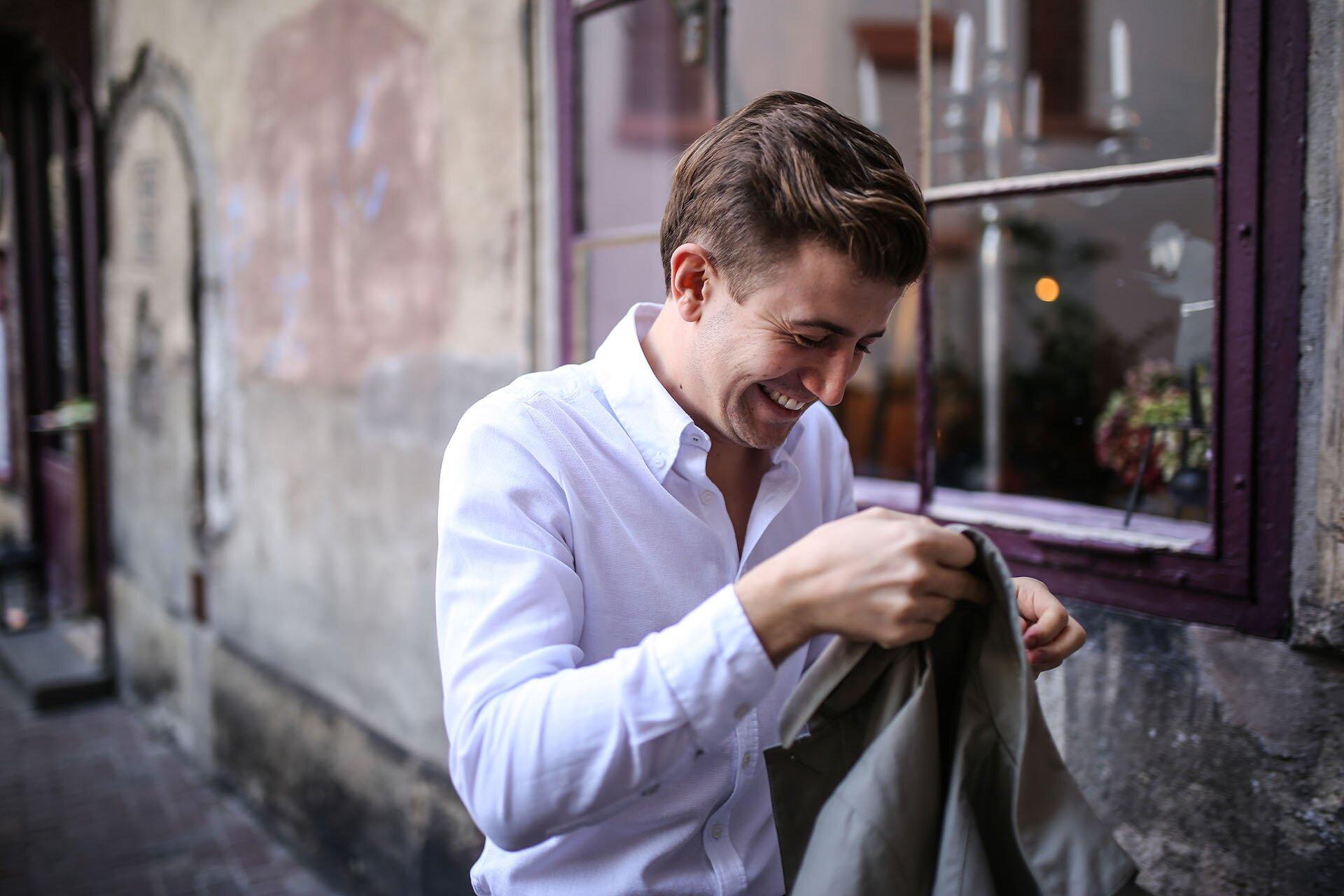Trencz męski, Męskie kurtki jesienne, Męskie klasyki, Elegancki trencz, Trencz na jesień, Trencz na wiosnę, Blog o modzie męskiej, GMALE, Grzegorz Paliś, Trencz Massimo Dutti