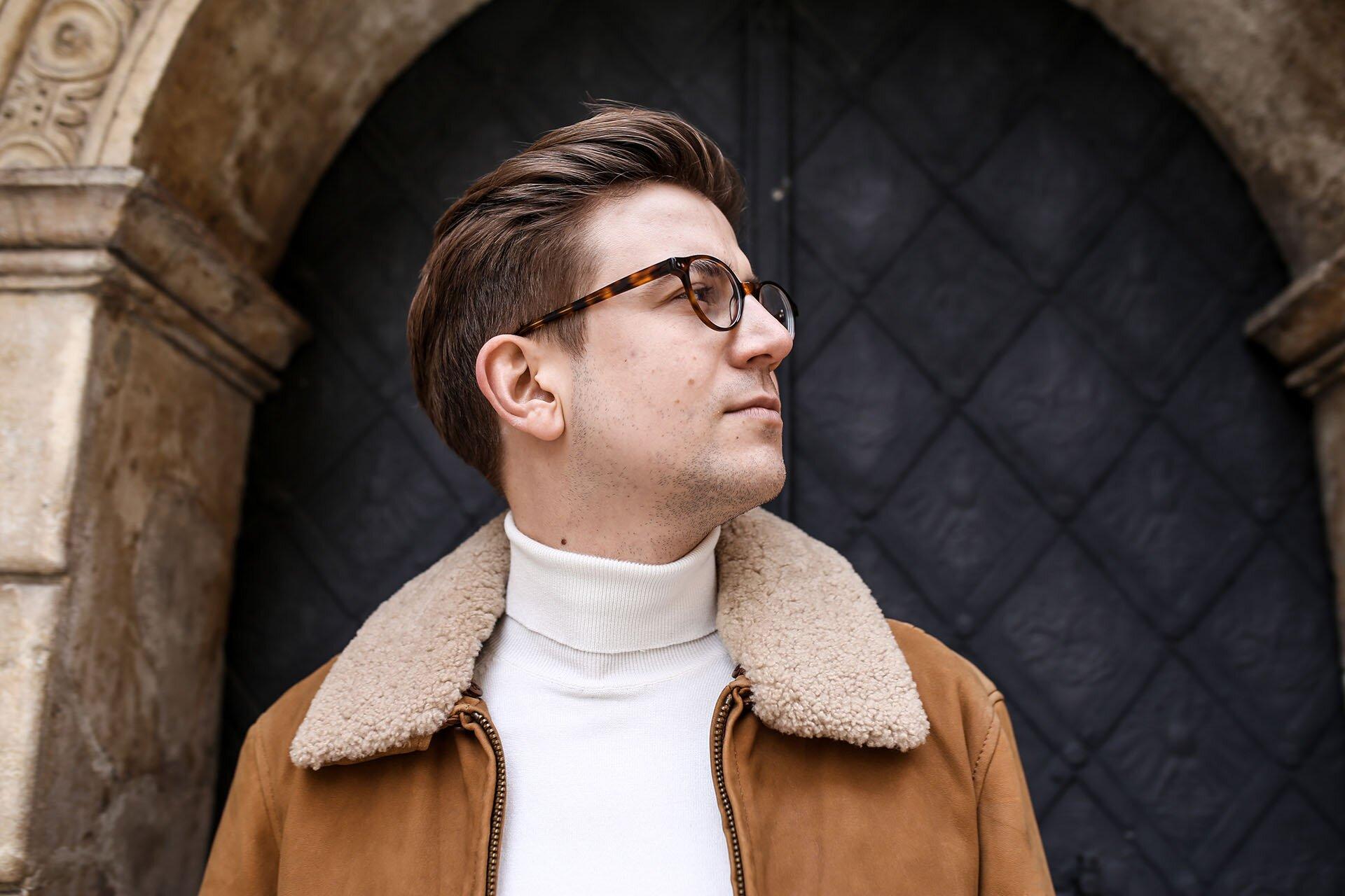 Mężczyzna w okularach, Moda męska, Blog o modzie męskiej, Przystojny bloger modowy, Bloger modowy, Najlepszy blog modowy, Gmale by Grzegorz Paliś