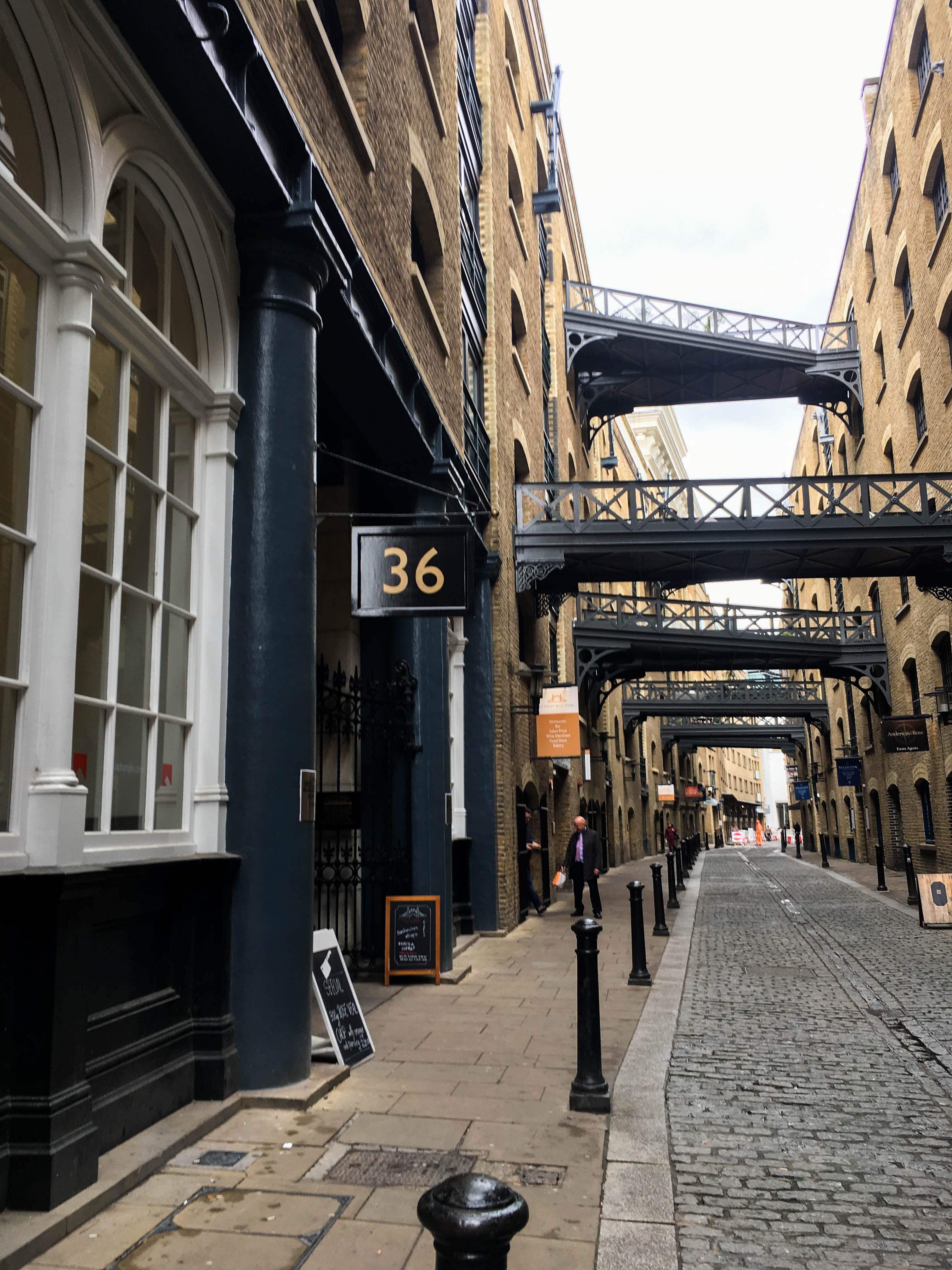 Londyn, Subiektywny przewodnik po Londynie, Gmale Goes To London, Bloger modowy w Londynie, Jak się ubrać do Londynu, Moda męska, Bustler's Wharf
